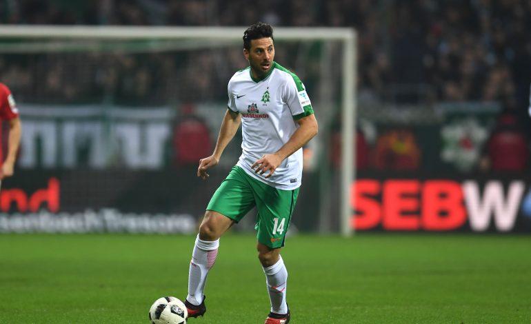 Bleibt Claudio Pizarro noch ein Jahr bei Bremen?