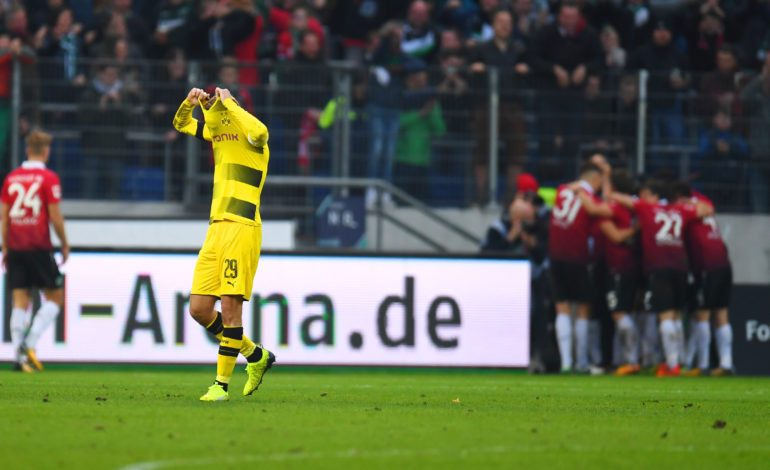 Hannover 96 Borussia Dortmund André Breitenreiter Lucien Favre Michael Zorc Bundesliga Paco Alcácer Christian Pulisic Pirmin Schwegler