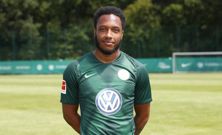 Der VfL Wolfsburg hat den Vertrag von Kaylen Hinds offiziell aufgelöst. Heute äußerten sich die Verantwortlichen der Wolfsburger zu dem Vorfall.