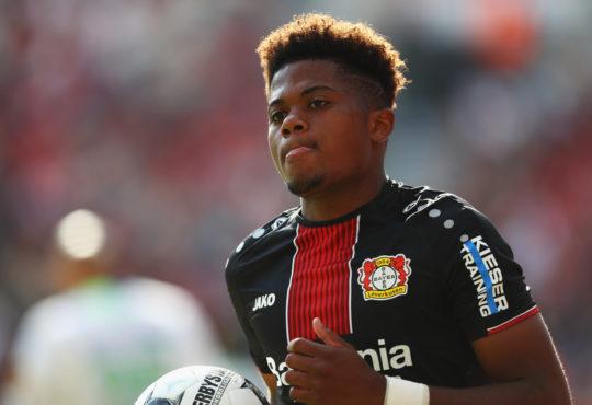 Der Saisonstart von Bayer 04 verlief alles andere als erfreulich. Nun kommt dazu, dass Paris Saint-Germain an Bayer-Talent Leon Bailey interessiert ist.