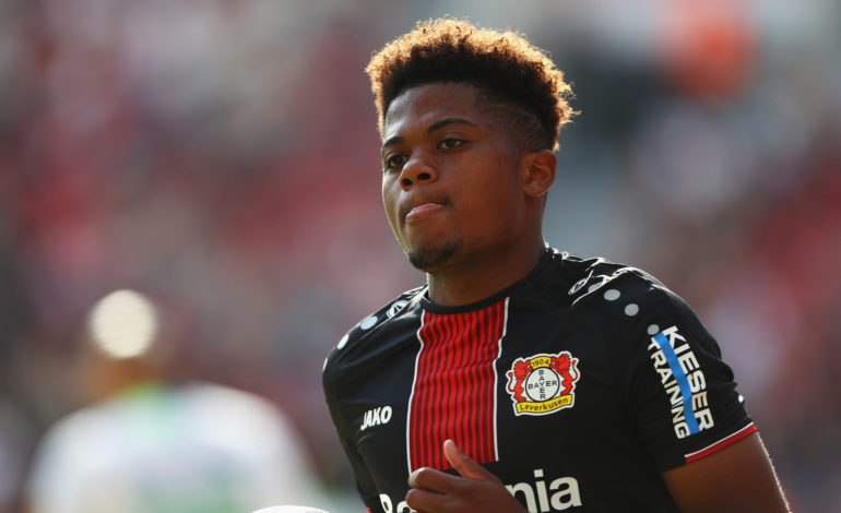 Der Saisonstart von Bayer 04 verlief alles andere als erfreulich. Nun kommt dazu, dass Paris Saint-Germain an Bayer-Talent Leon Bailey interessiert ist.