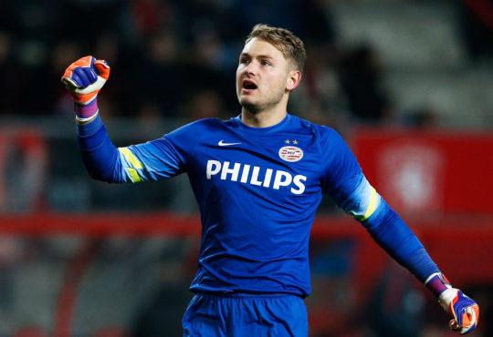 PSV Torwart Jeroen Zoet im Fokus vom FCB