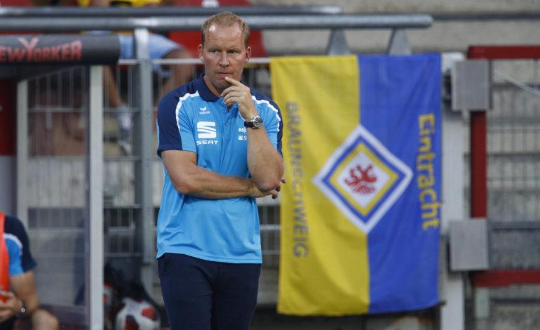 Eintracht Braunschweig in der Krise - Pedersen darf vorerst bleiben