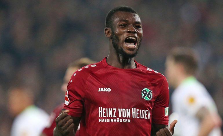 Hannover 96 VfL Wolfsburg Bundesliga Horst Heldt Jörg Schmadtke Ihlas Bebou