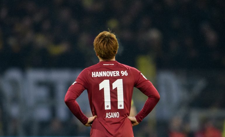Hannover 96 Takuma Asano Kevin Wimmer FC Arsenal London Stoke City FC Premier League Bundesliga Thomas Doll Horst Heldt