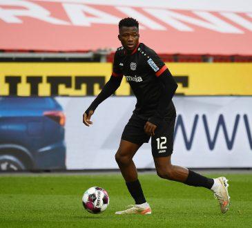 Edmond Tapsoba Bayer Leverkusen Bundesliga Arsenal Chelsea Manchester United